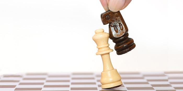La Vida es un Juego de Sugestiones, Donde Sólo Existen 2 Estrategias de Juego