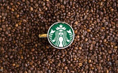 Starbucks sabe muy bien quién es el genio del marketing. ¿Y tú?