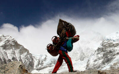 Cómo aplicar la metáfora del 'sherpa' para alcanzar la cima en tu negocio